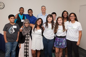 Arne Duncan with Promise Program students