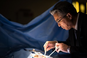 His Excellency Shinsuke J. Sugiyama explores Harper's surgical technology suite