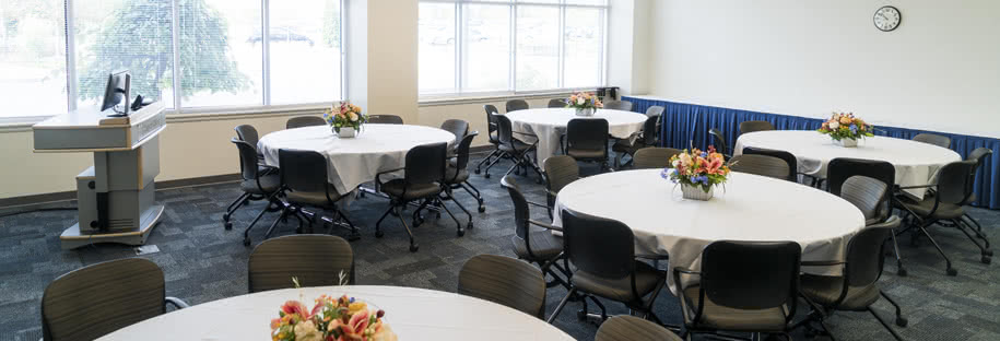 WCC, Wojcik Conference Center, Room W102 amenities